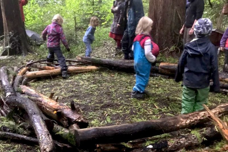 Jardim de infância na floresta (Foto: Laura Leal)