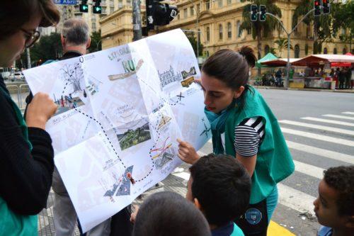 mapa e crianças