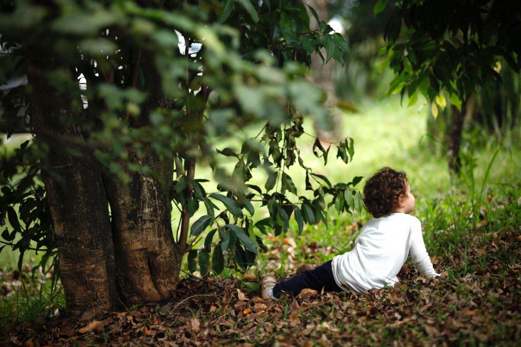 Criança sentada